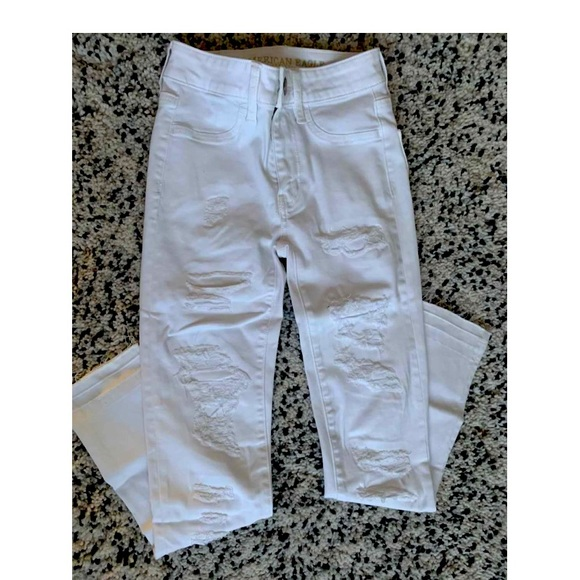 NWT - American Eagle Ripped White Jeans